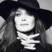 Carla Bruni – Enjoy The Silence