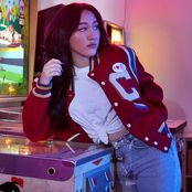 Noah Cyrus – It's Beginning To Look A Lot Like Christmas